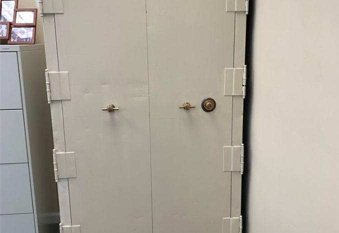 Safe-Cabinet Laboratory 66 x 40 x 29