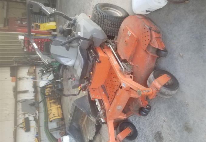 2013 Husqvarna zero turn lawn mower