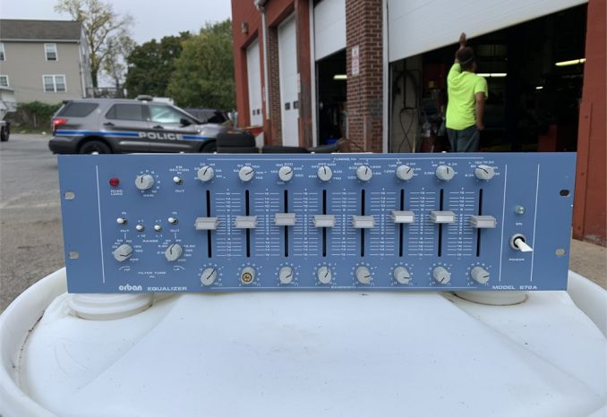 Orban Parametric equalizer  Model 672A