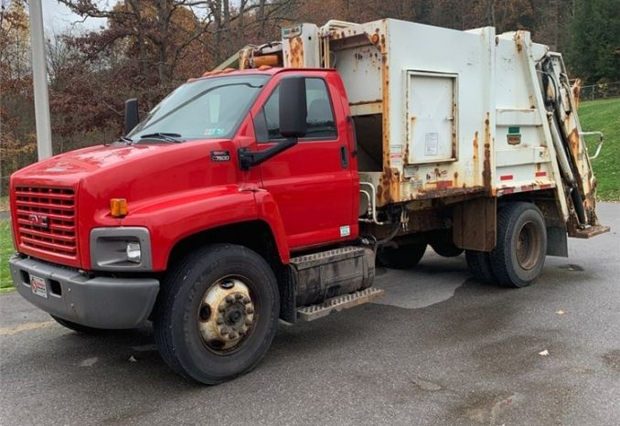 2009 GMC Garbage Truck