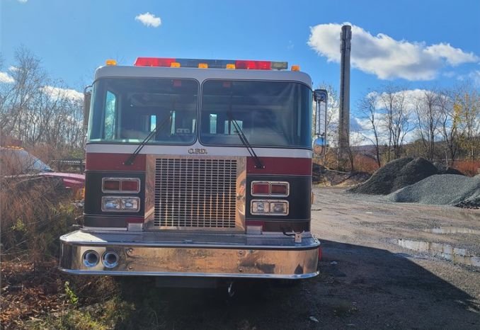 1990 FMC Pumper Engine