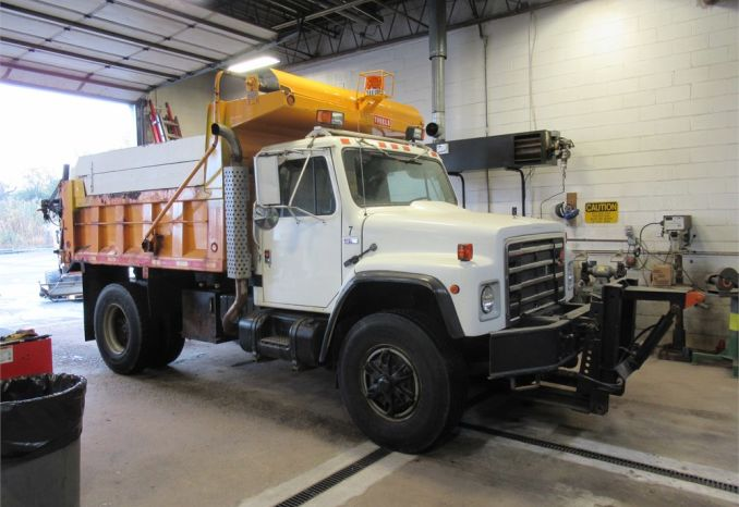 1989 International 6-Wheel Dump Truck