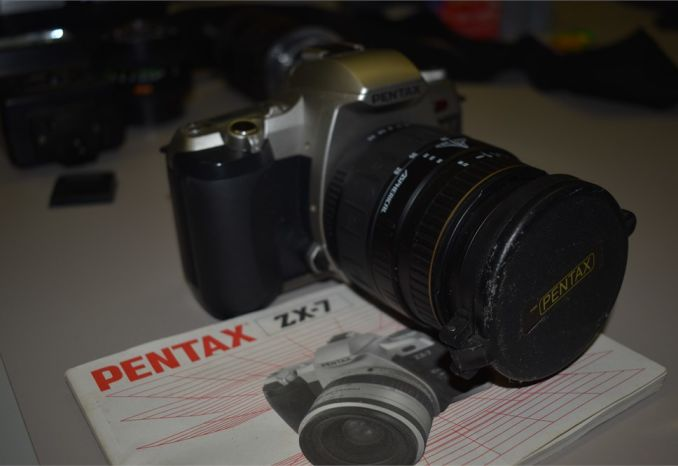 Pentax ZX-7 - 35 mm SLR film camera w/ manual