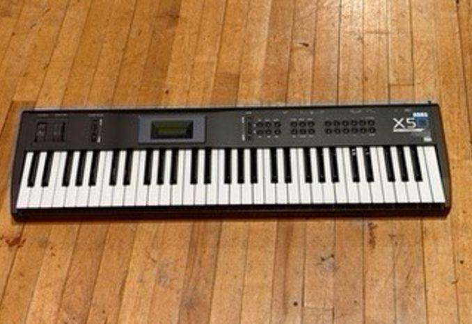 Korg X5D 61-Key Synthesizers
