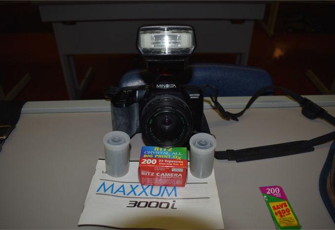 Minolta - Maximum 3000i - 35 mm SLR film camera