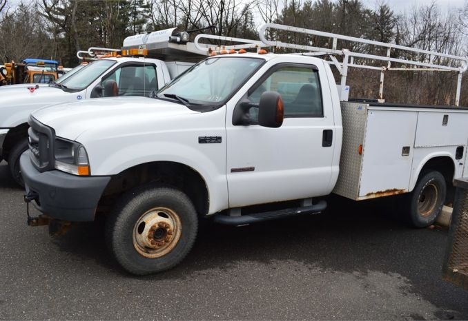 2004 Ford F350 Truck