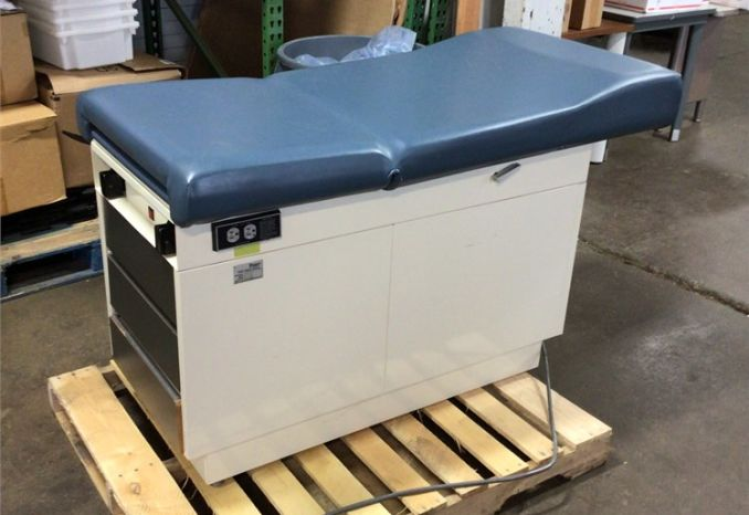 Exam Table -  Ritter Model 100-023