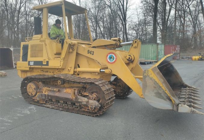 Cat 943 Crawler Loader