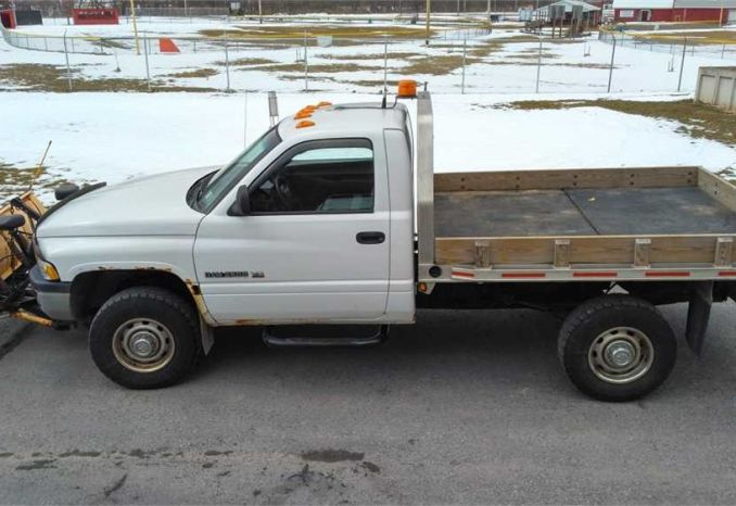 2001 Dodge Ram 2500 with Plow