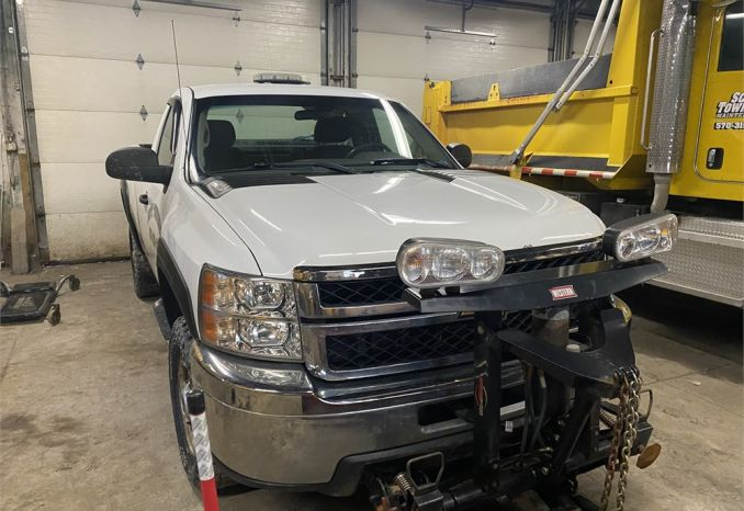 2012 Chevy Regular cab with snowplow