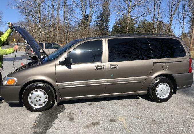 2002 Oldsmobile minivan