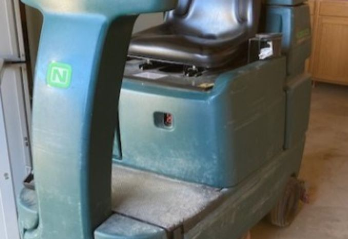 Nobles EZ Rider Floor Scrubber