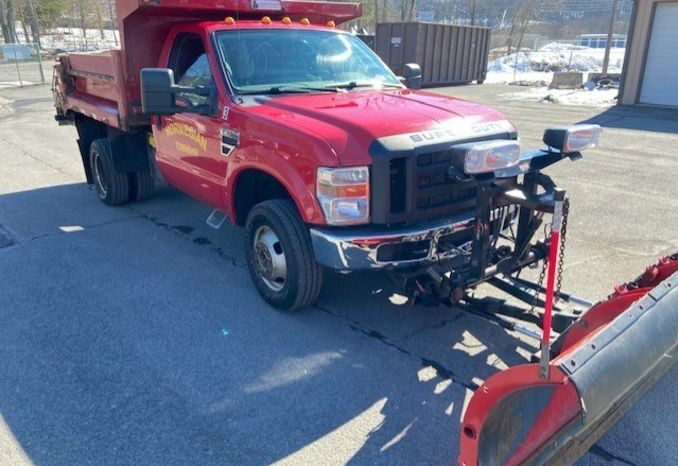 "2003 Ford F350 with 8'6"" Western Plow and spreader"