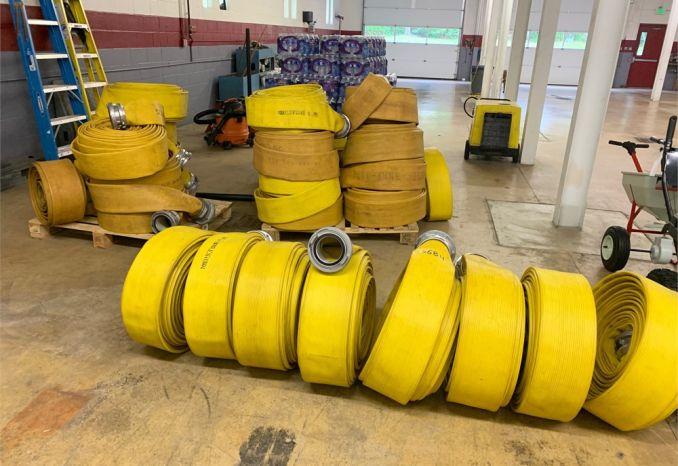 "Lot of 5"" supply hose"