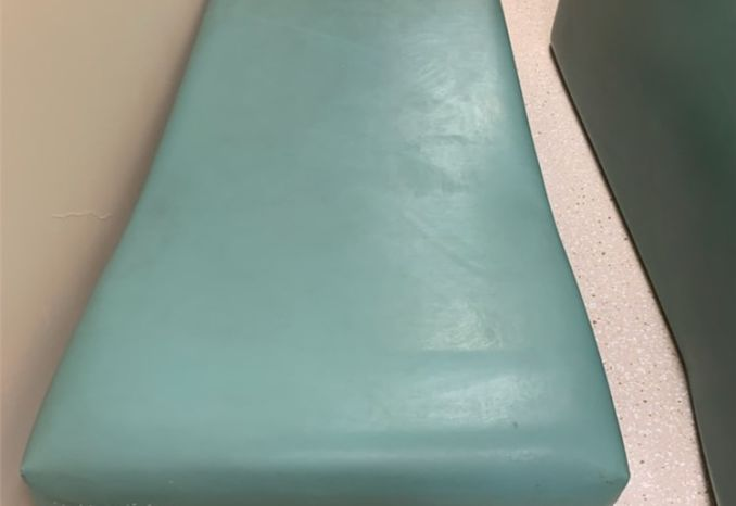 Recovery Couch (#1 of 2)