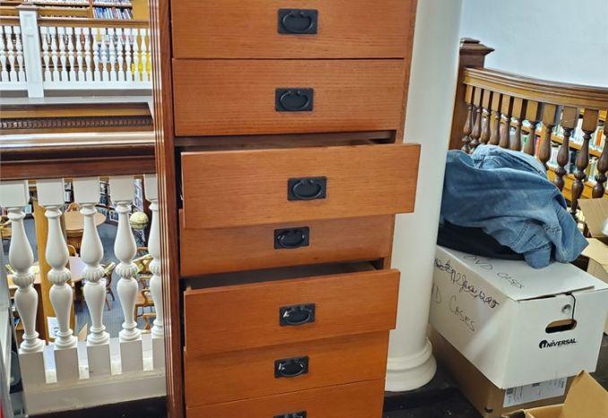 Tall, Thin, 9-Drawer Dresser