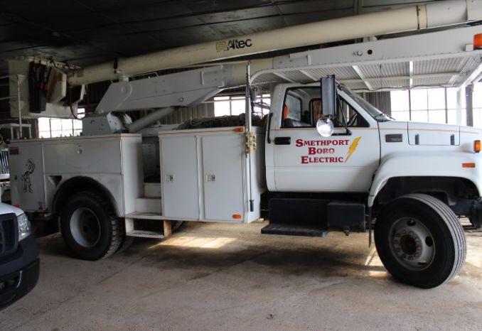 1999 GMC Altec Bucket Truck