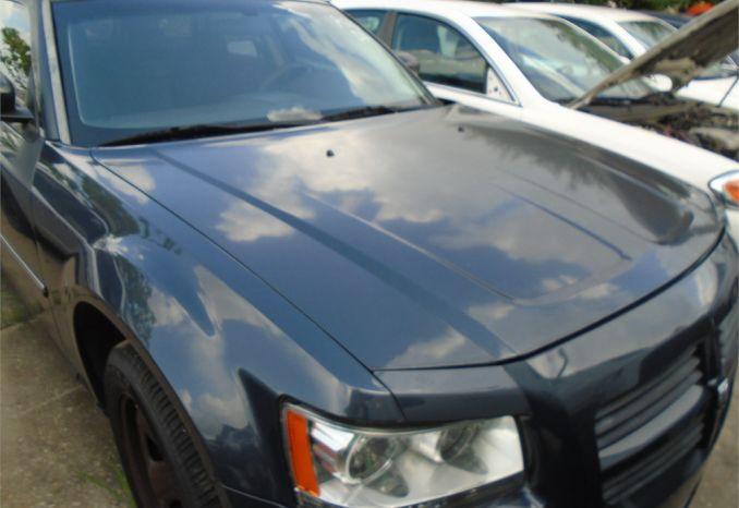 2008 DODGE MAGNUM, WRECKED, NO ENGINE, NO KEY