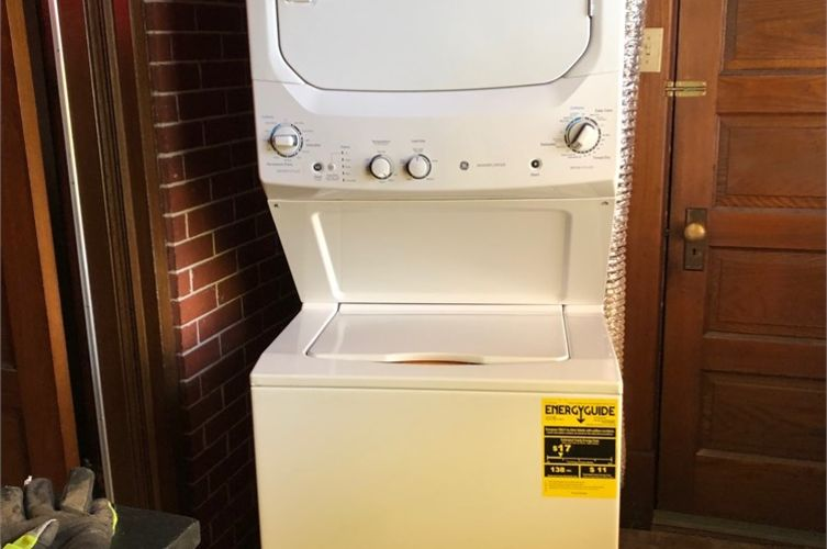 GE Apartment style washer/dryer Online Government Auctions ...