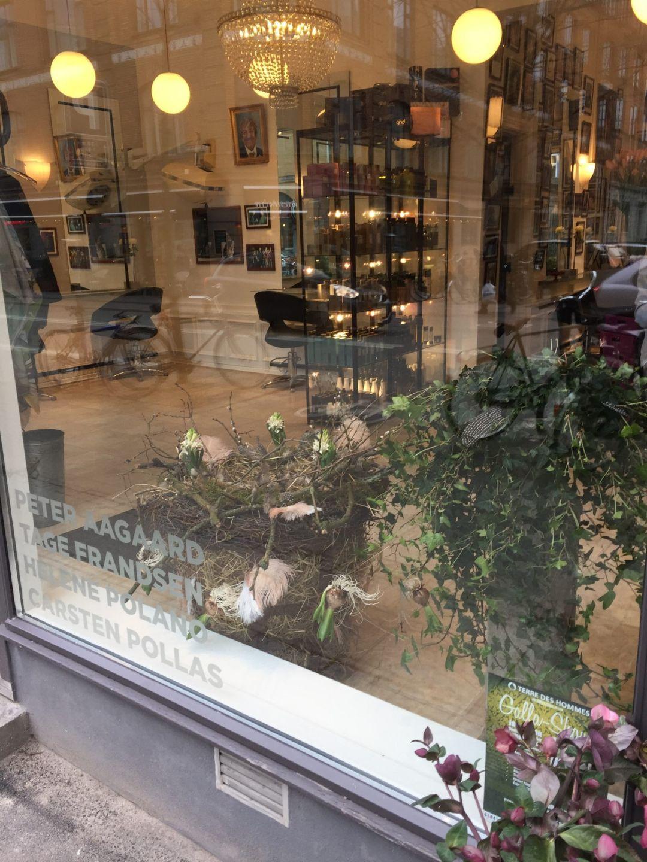 Peter Aagaard salon vindue