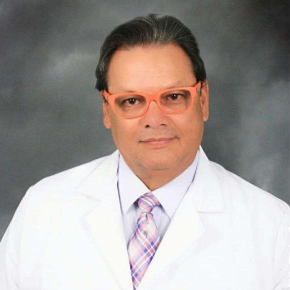 Dr. David Vásquez Awad