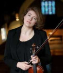 Laurel G offers violin lessons in Prairie Village , KS