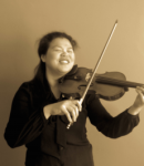 Pei-Yun L offers violin lessons in Lombard, IL
