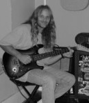 John H offers guitar lessons in Tangerine, FL