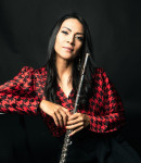 Gaby V offers flute lessons in Glendale Heights , IL