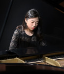 Yu H offers piano lessons in Walnut Park , CA