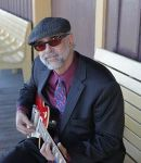 Ronald T offers guitar lessons in Emerald Hills , CA