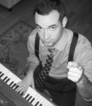 Tom O offers piano lessons in Turtle Bay , NY