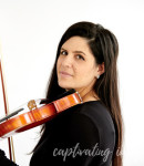 Myriam C offers violin lessons in Hickory, PA