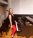 Samantha B offers piano lessons in Cedar Hills , FL