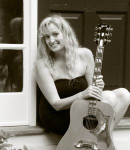 Julie H offers guitar lessons in Loomis, CA