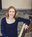 Maggie H offers piano lessons in East Colfax , CO
