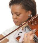 Shabria R offers violin lessons in Convention Center , TX