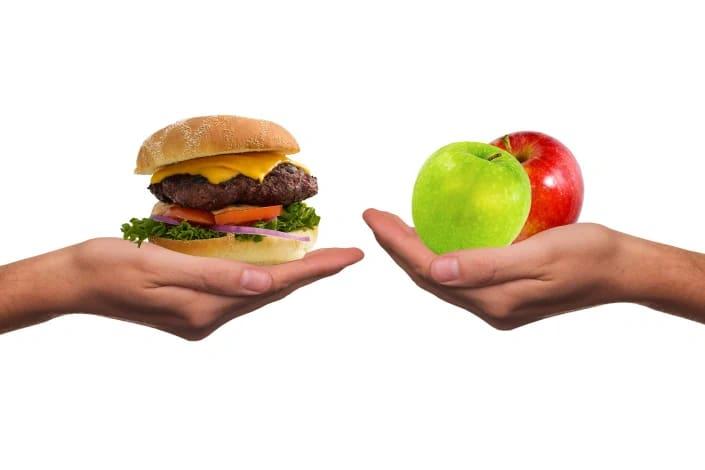 תמונה בנושא השוואה בין דיאטה רגילה לגישת ההרזיה ללא דיאטה
