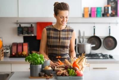 דיאטנית מלמדת על האוכל בבית