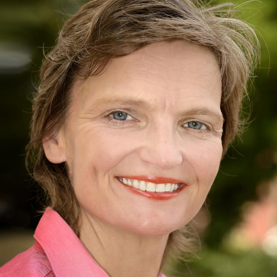 Almuth Marianne Kroll