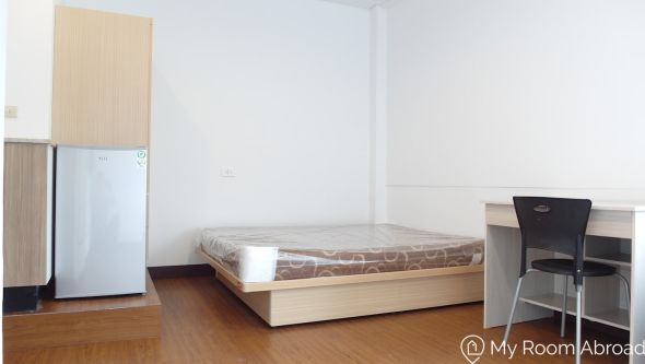 My Room Abroad - Shared rooms and studios for international students, exchange students, language teachers and expats in Aisa. *Monthly Rental* Bright and spacious studio close to MRT Ximen Station