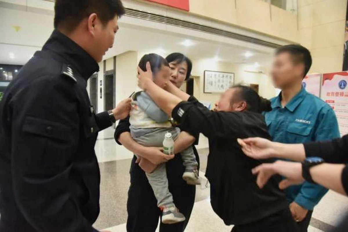 China: Man Sells Son and Uses Money To Tour China With His New Wife