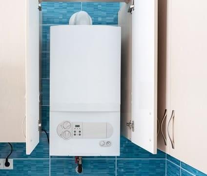 Installer chaudière dans pièce wc