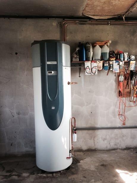 Installation chauffe-eau sous-sol