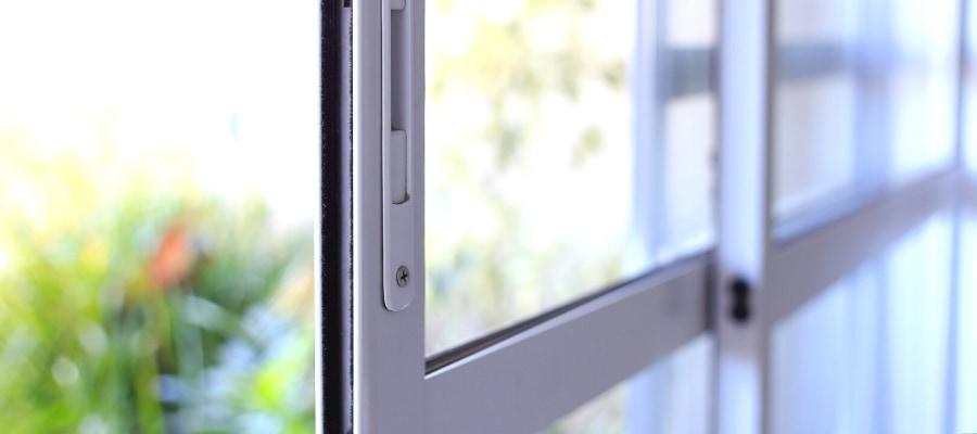 guide de la fenêtre coulissante