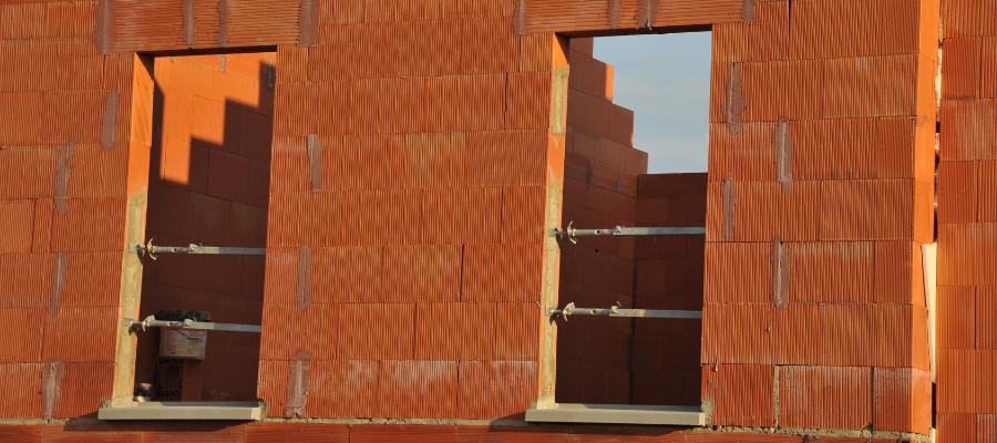 isolation des murs intégrée avec briques