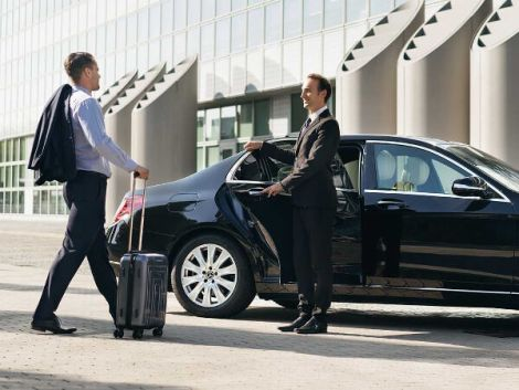 What Are The Benefits Of Using The Airport Transfer Services? – Jewish  Chicken Ranchers
