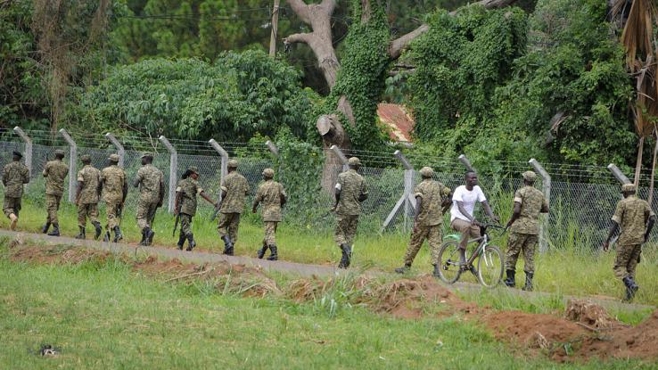 More than 200 naked inmates escape jail in Uganda. - Africa24