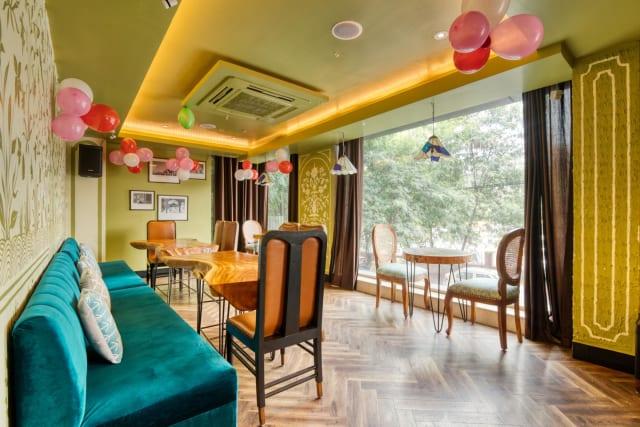 The Blue Parrot Cafe