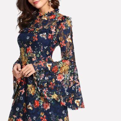 Kleid mit Netzelementen